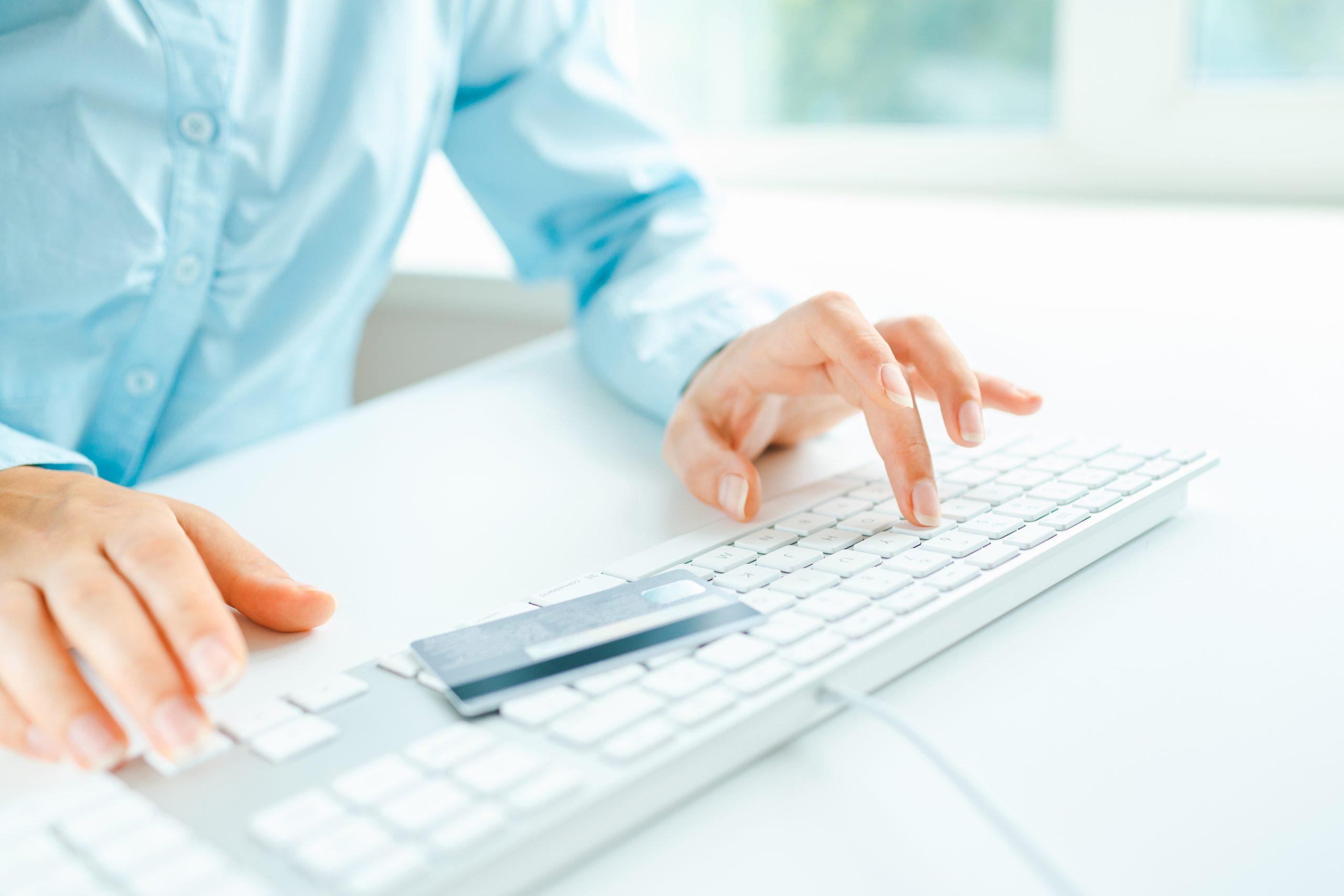 Braucht eine Zahnarztpraxis eine Cyberversicherung? - ZAEVERS